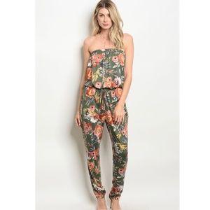 Gilli Floral Strapless Jumpsuit size Medium